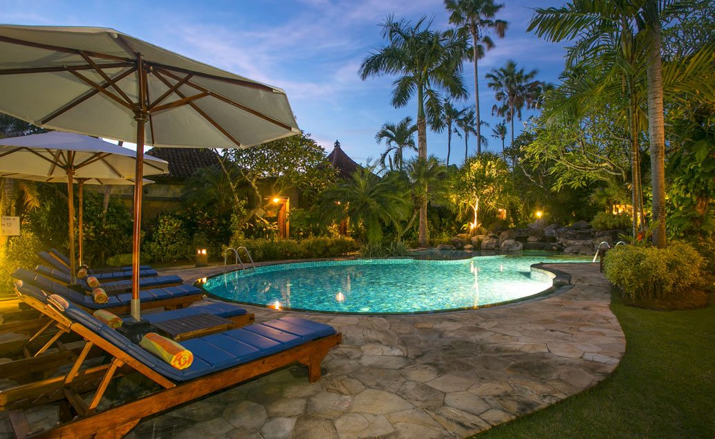 Parigata Resort & Spa 4****, pláž Sanur