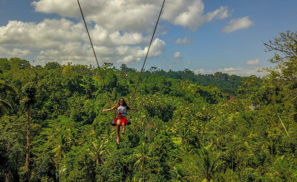 Bali aktívne pre mladých